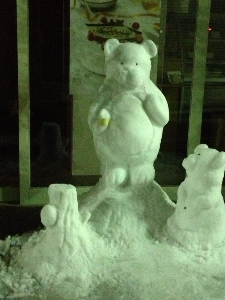 芸術的な雪だるま