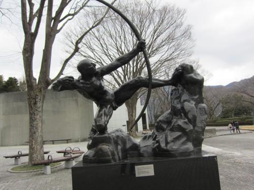 ポー 彫刻の森美術館にて01