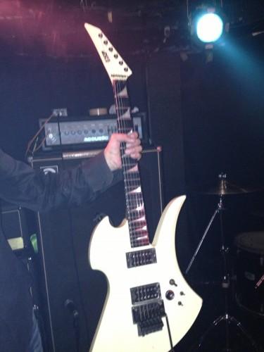 POISON ARTSで使ってたギター