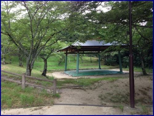 愛宕山の相撲場