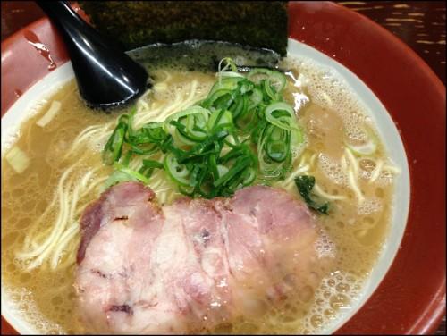 誠屋とんこつ細麺2